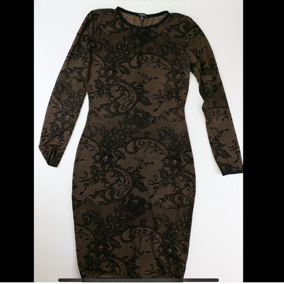 Goodtime Dresses & Skirts - Goodtime USA Sheer Paisley Long Sleeve Dress.